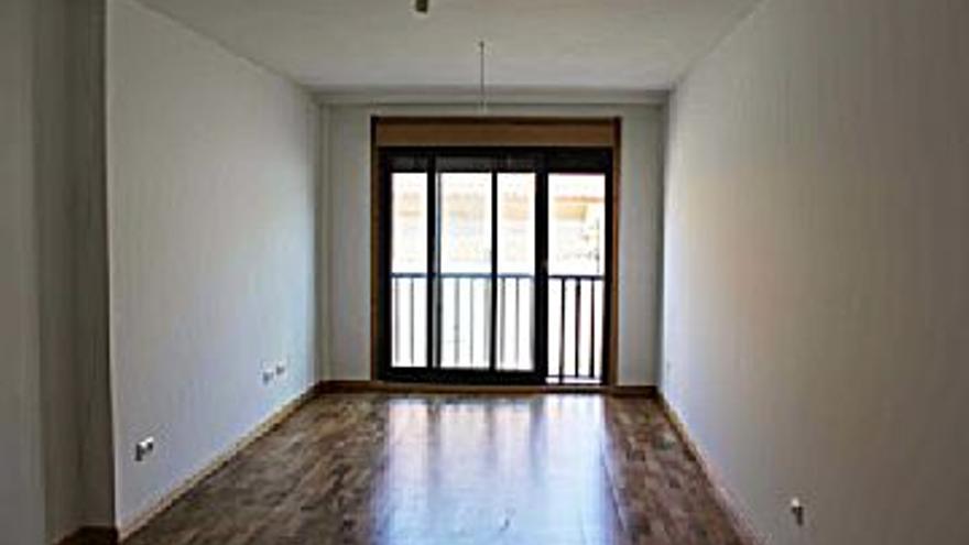 79.000 € Venta de piso en Ribeira 70 m2, 2 habitaciones, 2 baños, 1.129 €/m2...