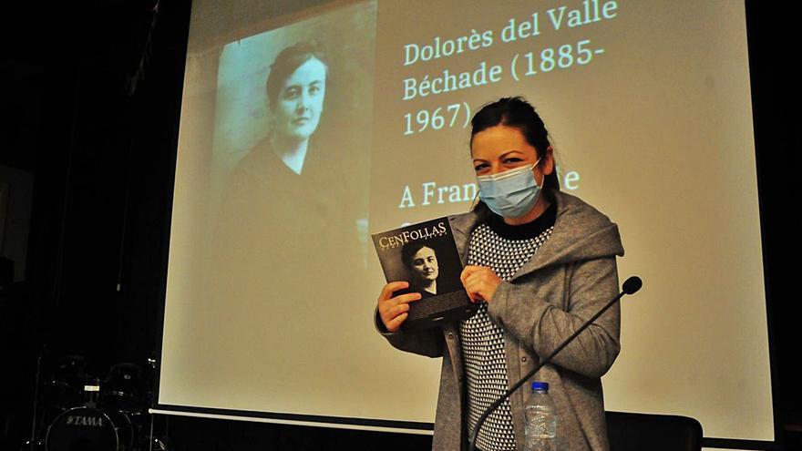 El Asorey premia a Beatriz Laya por sus trabajos sobre historia cambadesa
