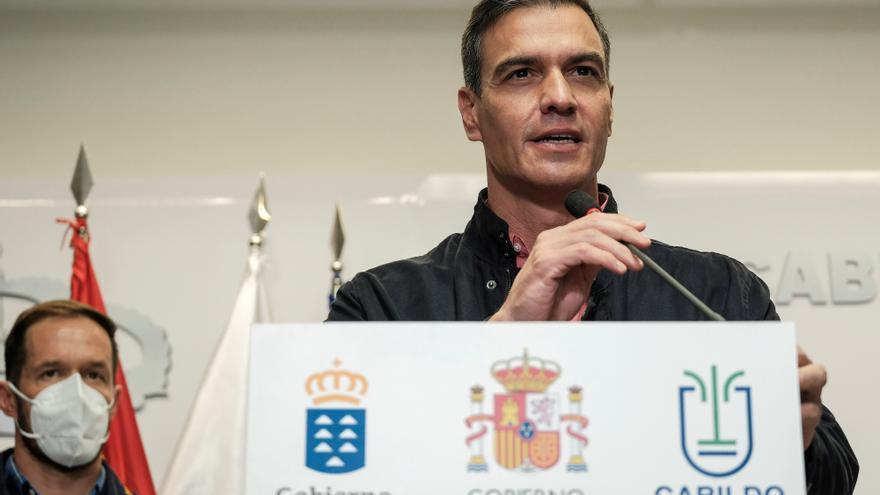 Sánchez anuncia una modificación presupuestaria para acelerar las ayudas a La Palma