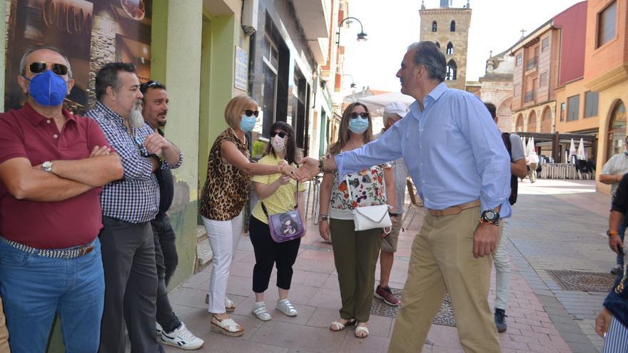 """Ortega Smith aboga en Benavente por el """"crecimiento de la natalidad"""" para luchar contra la despoblación"""