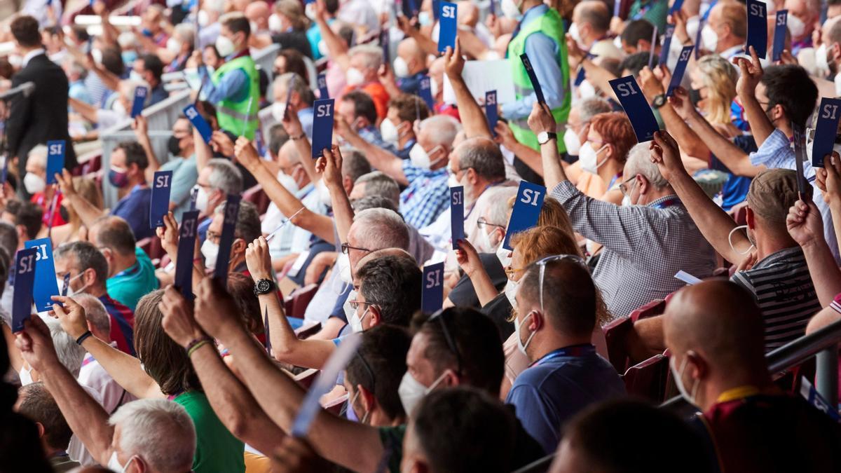 L'assemblea del Barça aprova els 97 milions de dèficit de Bartomeu