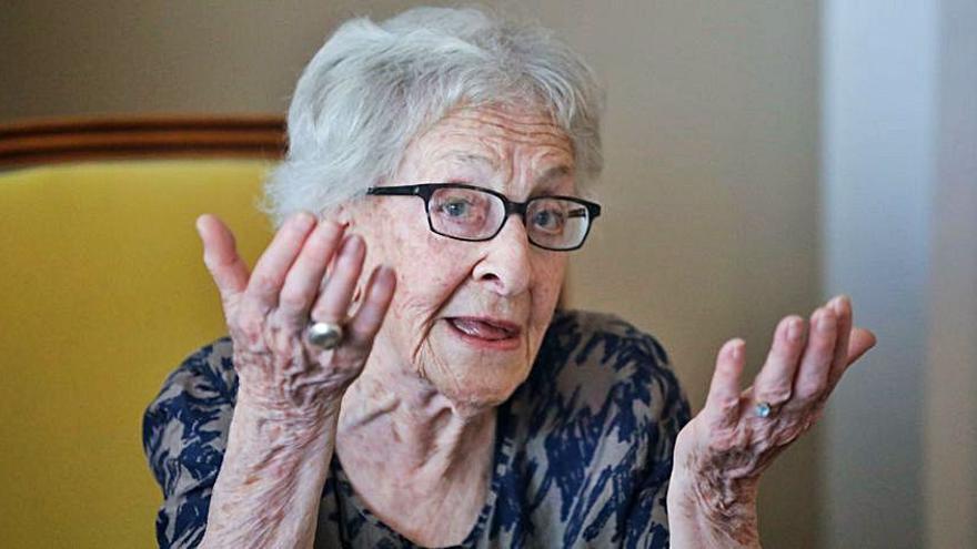 Ida Vitale, ante otro galardón que considera «un exceso»