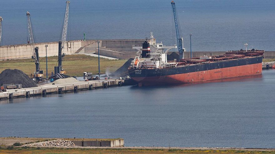 Un barco de 292 metros, el mayor en la ampliación de El Musel