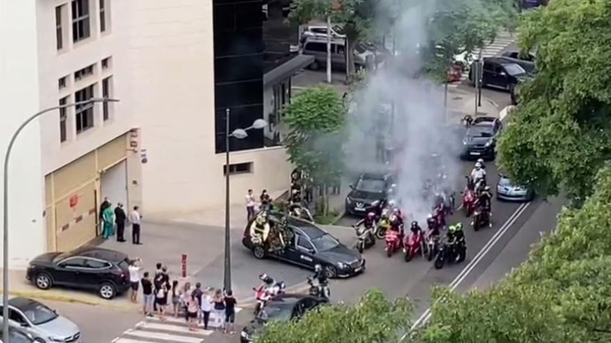 Funeral con rugido de motores y goma quemada