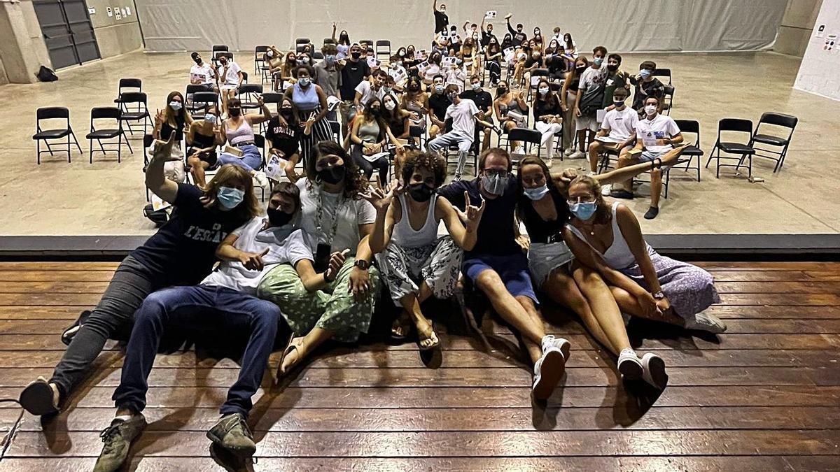 La foto de grup que es van fer els participants al Campus Jove