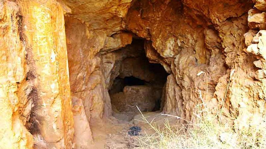La hermana menor de la muerte: la cueva de las calaveras