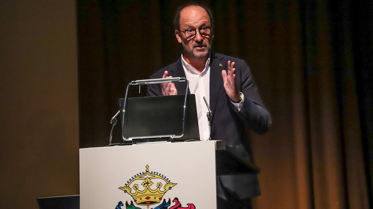 El alcalde de Orihuela, Emilio Bascuñana, es, además, vicepresidente del Consorcio de Residuos.