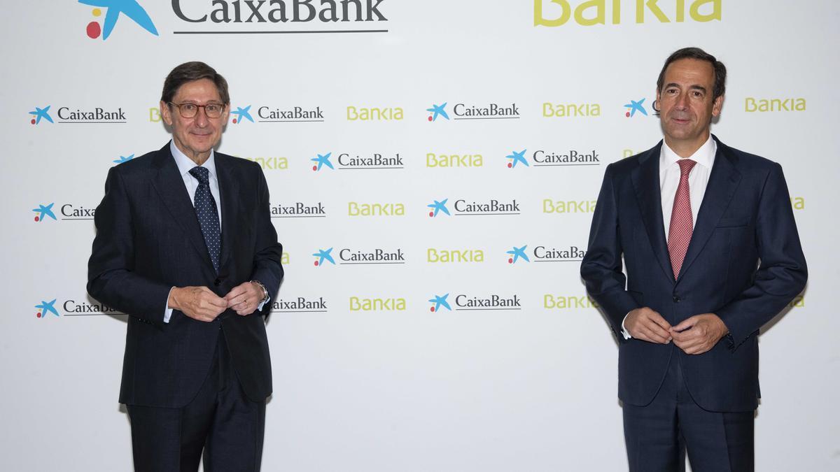 Los accionistas de CaixaBank y Bankia votarán la fusión esta semana