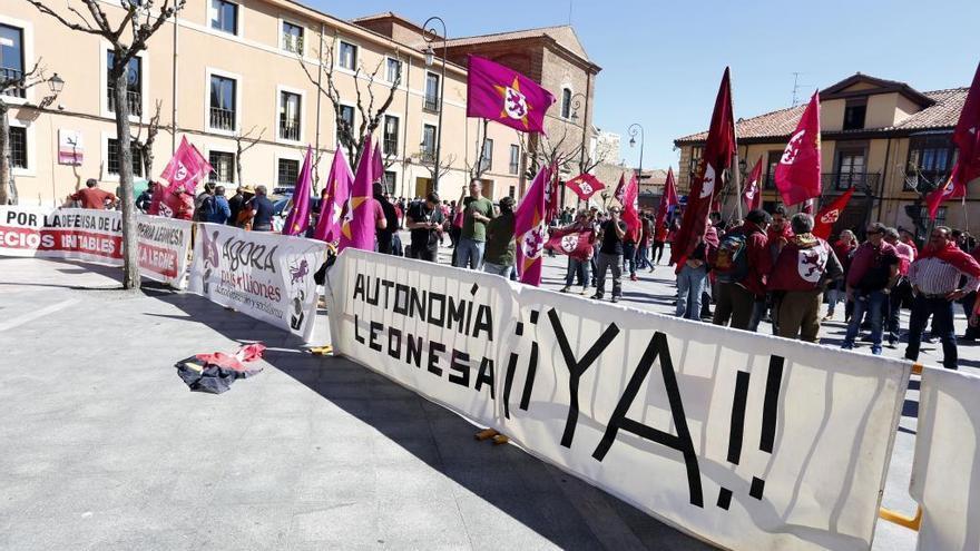 """Los leonesistas indignados responden a Mañueco: """"No somos paletos desinformados"""""""