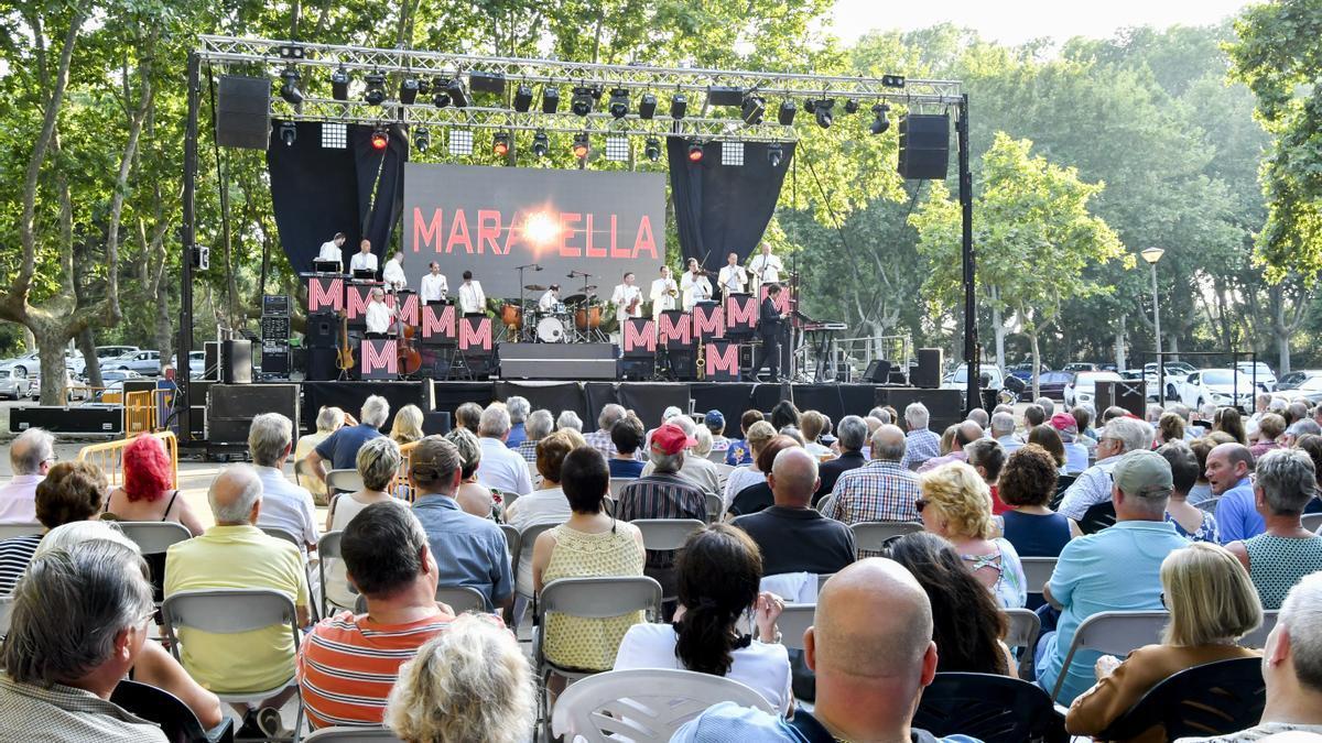 L'Orquestra Maravella a la Festa Major de Sant Pere Pescador de 2019