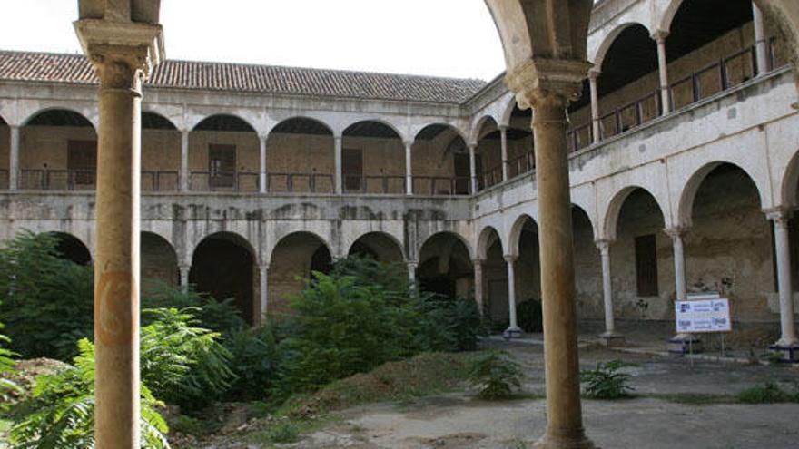 """Moreno destaca la licitación """"inminente"""" de la rehabilitación del convento de la Trinidad"""