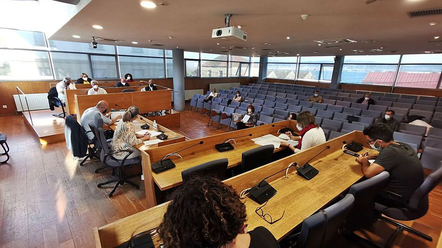 ACE consuma su rotura en el pleno y el PSOE se desmarca del gobierno en una moción del PP
