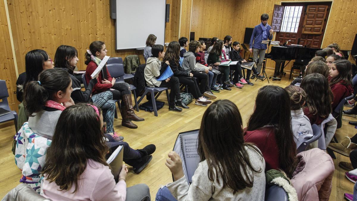 Una imagen de archivo de una de las aulas del conservatorio de música.