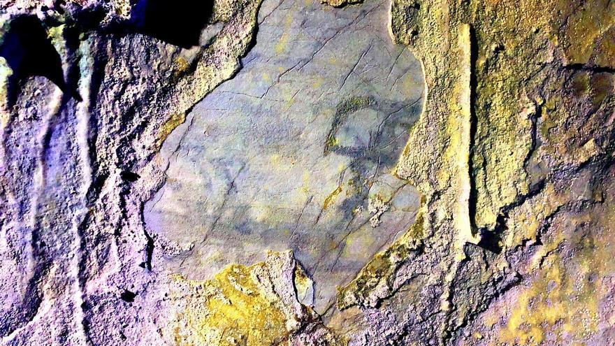 Impactante hallazgo en Laviana: descubren una pintura de hace miles de años con forma humana