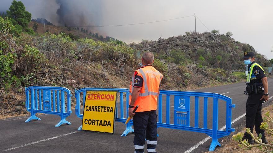 Erupción volcánica en La Palma: Las autoridades controlan las carreteras cercanas a Cumbre Vieja