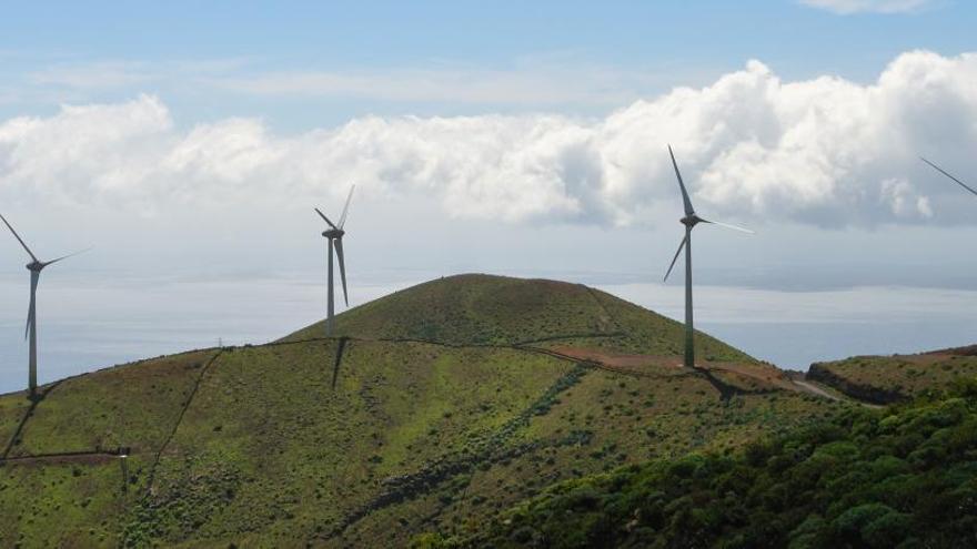 El Hierro cubre su demanda eléctrica 24 días seguidos solo con energías renovables