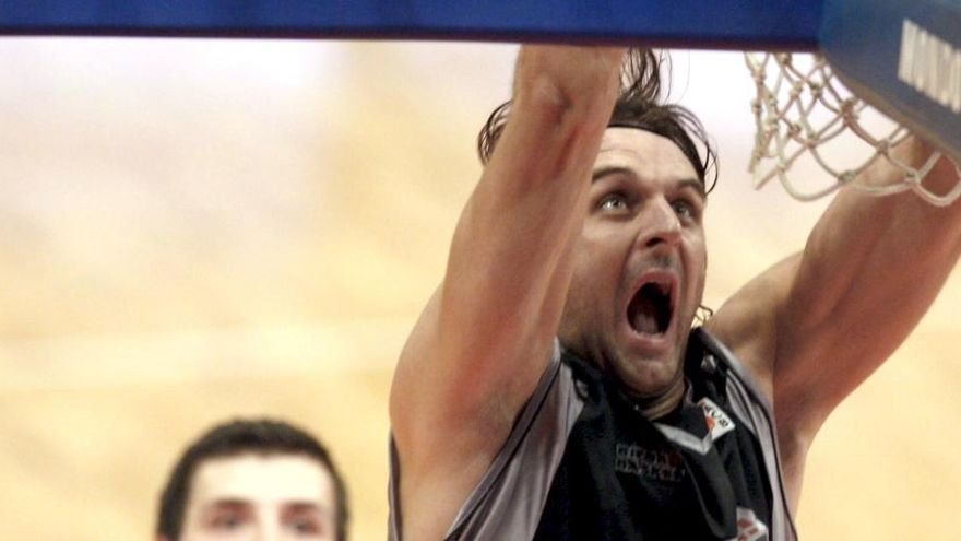 Pasalic, ex del Bilbao Basket, pasa 48 horas en coma inducido tras un paro cardiaco