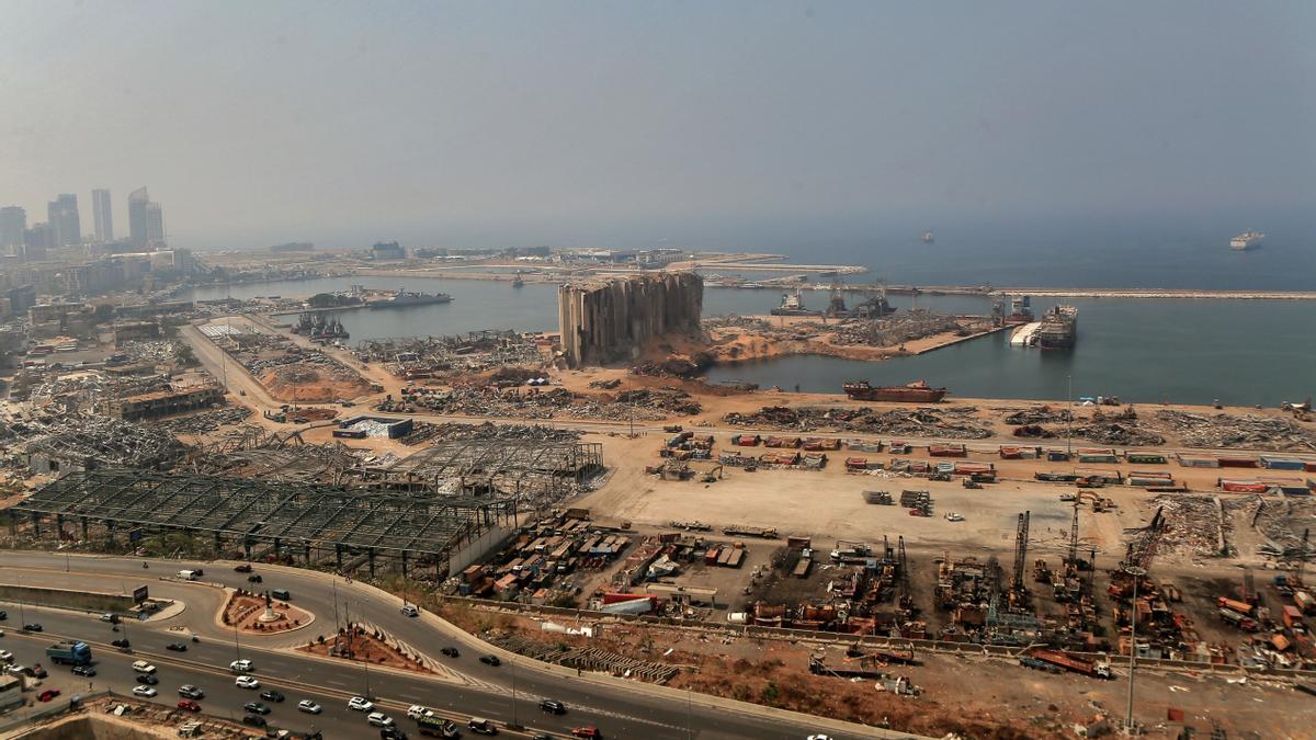 Daños materiales causados por las explosiones del 4 de agosto en el puerto de la capital de Líbano, Beirut.