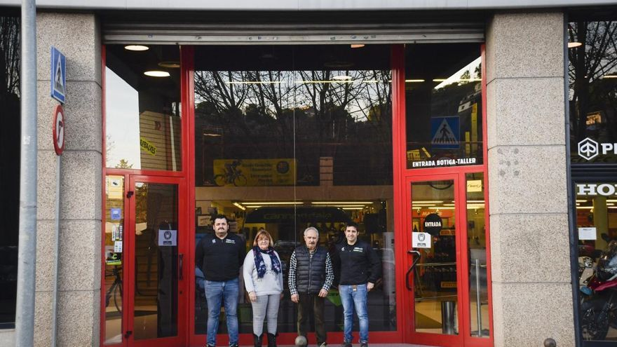La botiga de bicicletes manresana Tomàs Bellès canvia de mans en el seu 50è aniversari