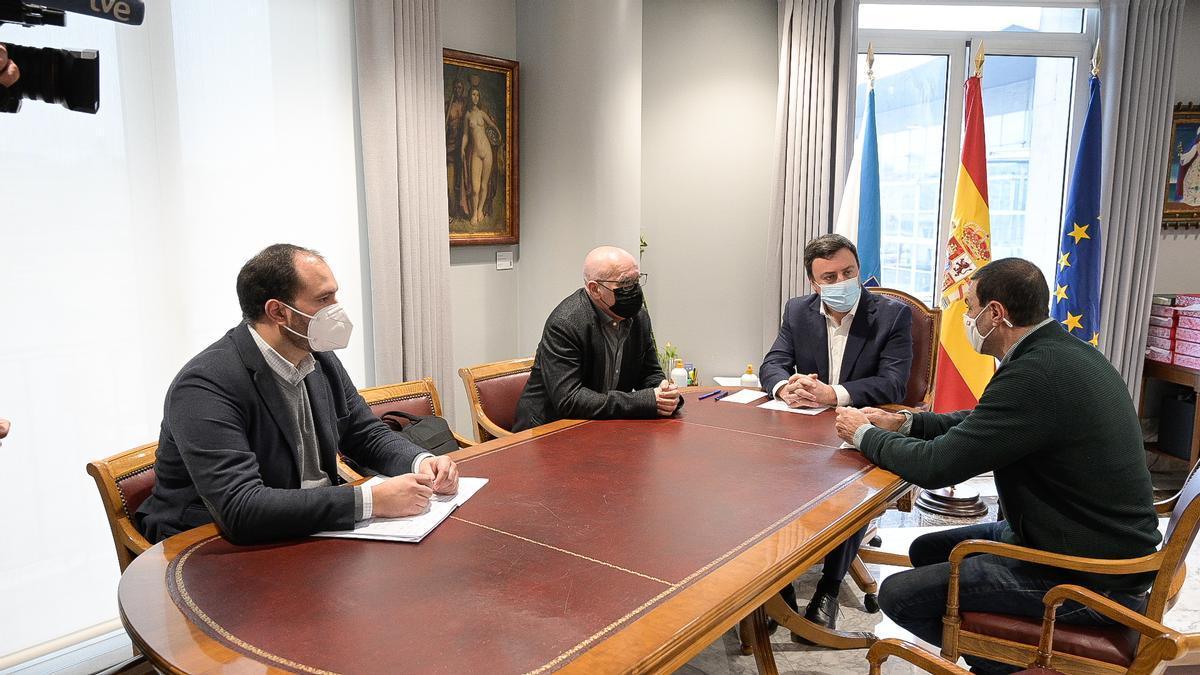Reunión de la Diputación con la Asociación Provincial de Empresarios Hostalaría da Coruña.