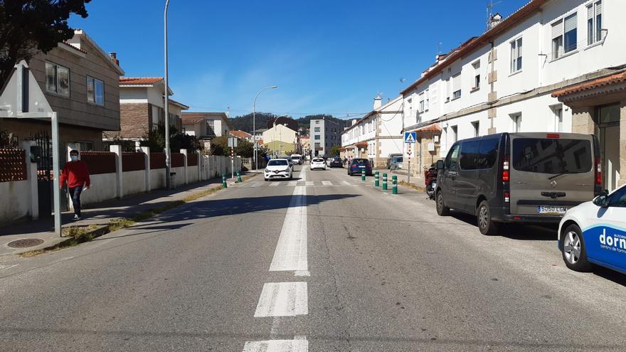 Un matrimonio herido leve en un accidente de moto en Cangas