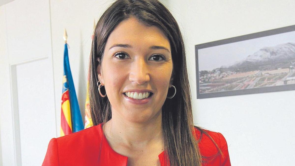 María Jiménez renunciará como alcaldesa mañana en un pleno para ceder la vara de mando a Araceli de Moya.