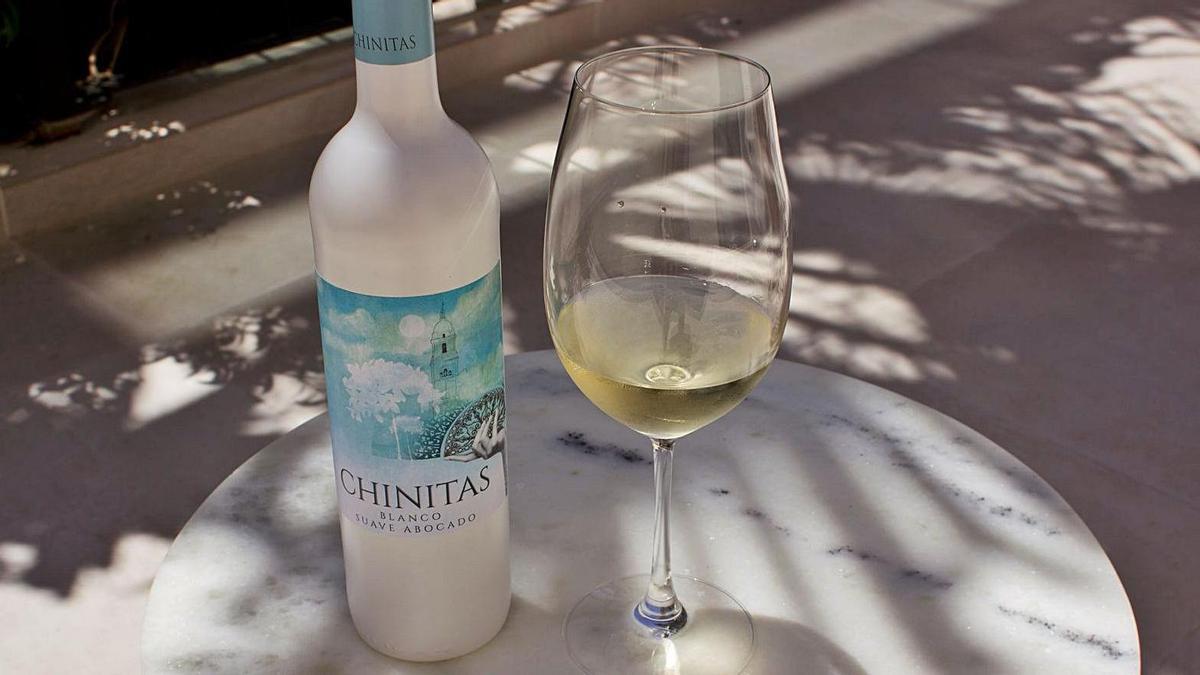 Chinitas es un vino blanco suave y abocado.