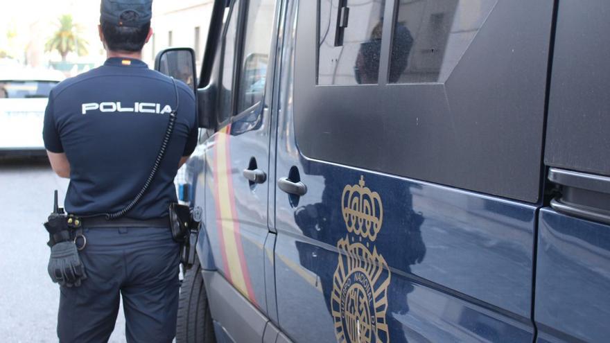 Detenido en Valencia por grabar con el móvil a una mujer en el aseo de unos grandes almacenes