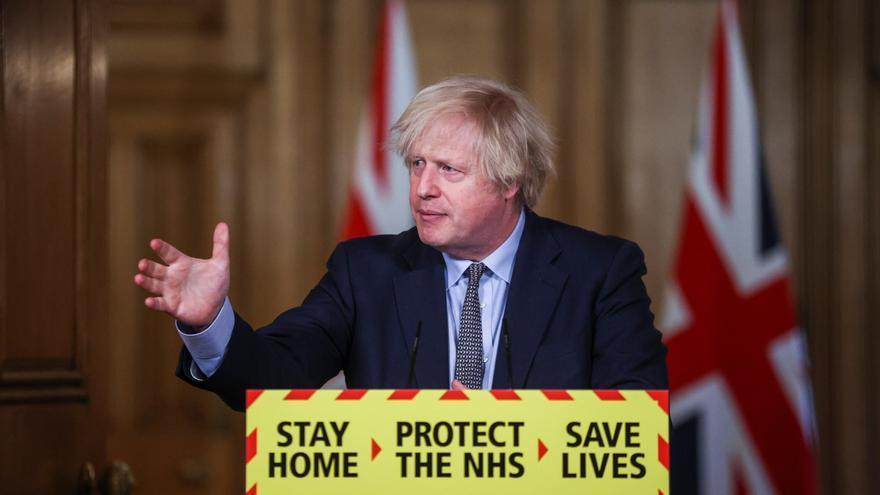 Reino Unido anuncia que ofrecerá dos pruebas gratuitas de covid cada semana a todos los ciudadanos