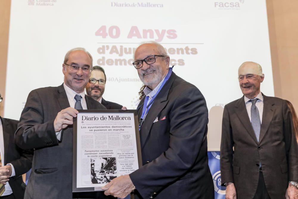 Así ha sido el acto de homenaje a 40 años de ayuntamientos democráticos