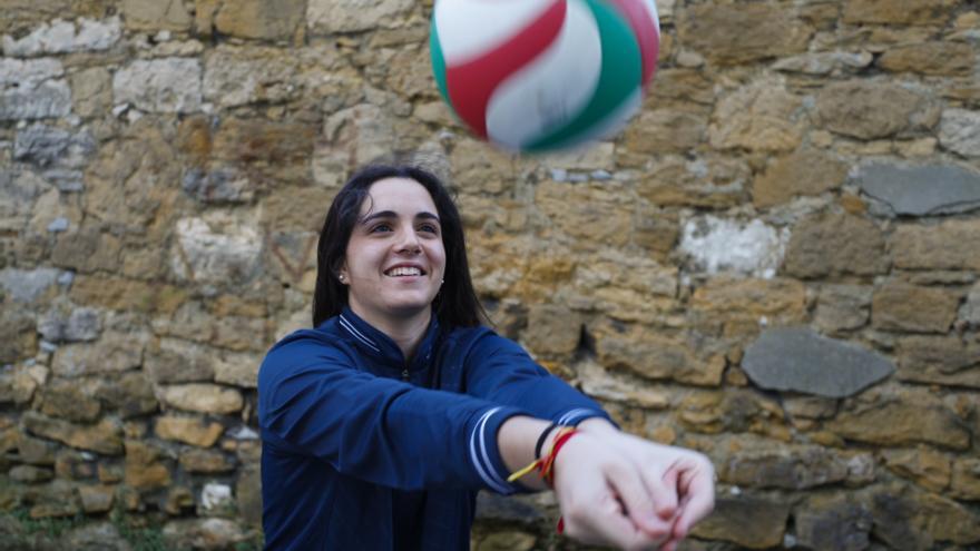 Lucía Ballvé vuelve a empezar en el Club Voleibol Oviedo
