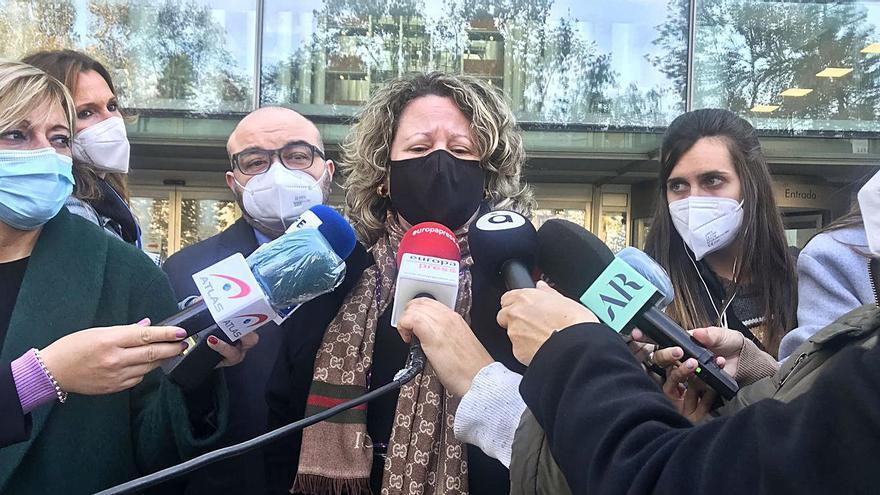 El juez ratifica que la madre del asesino de Marta declare por videoconferencia