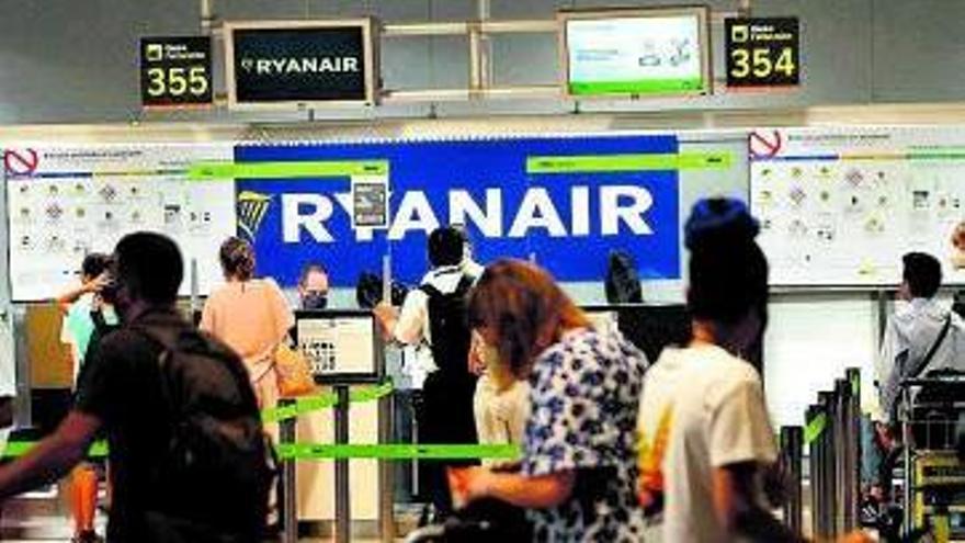 Trabajo deniega a Ryanair incluir en un  ERTE a los canarios con despido nulo