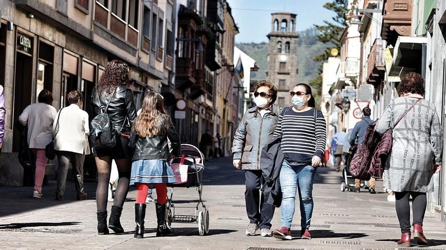 Canarias registra 184 contagios y una muerte este domingo