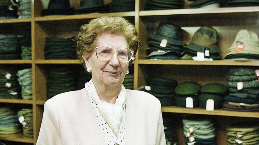 Oviedo llora a Elena Cuesta, una sombrerera visionaria