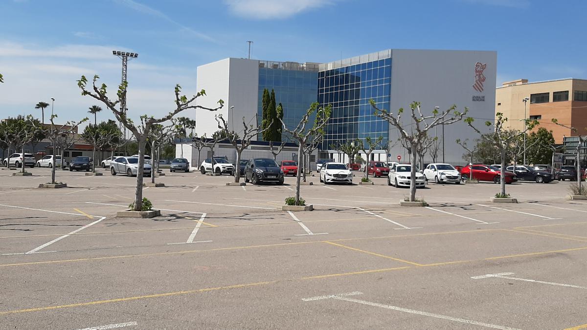 El aparcamiento de la zona sur de la ciudad, frente al Palau de Justícia, es el lugar elegido para la construcción.