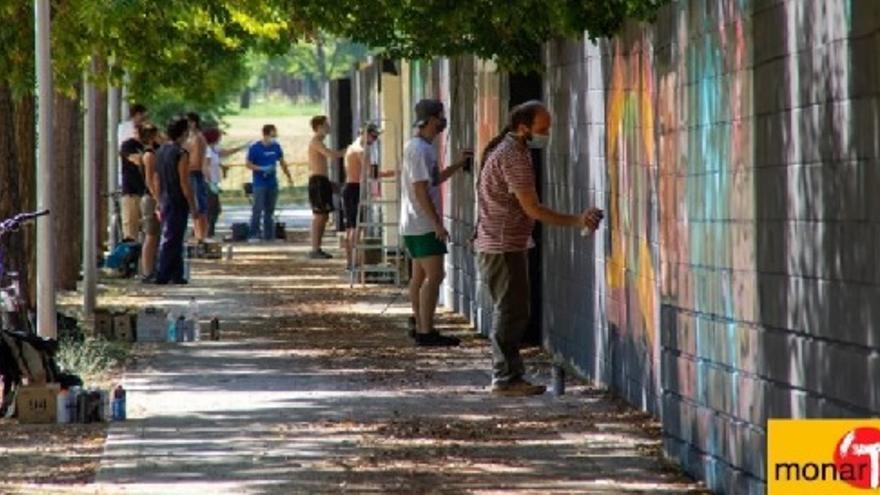 Pintada col.lectiva d'artistes vinculats al monar'T
