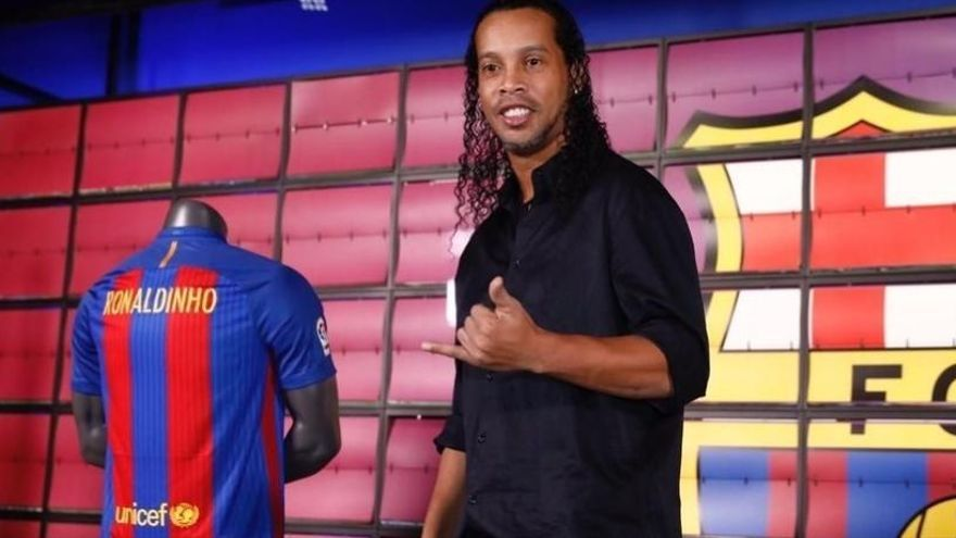 Ronaldinho penja les botes