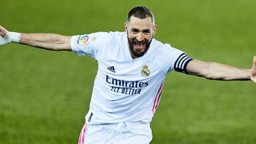 El Real Madrid recupera la sonrisa y arruina el centenario del Deportivo Alavés