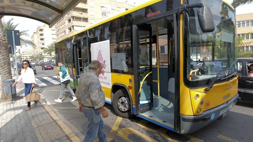 Sagunt solicita más medios para garantizar la distancia social en los autobuses