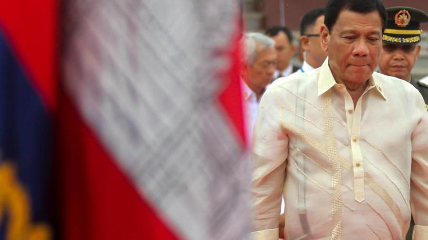 """El presidente de Filipinas insulta a los obispos católicos y asegura que """"son gays"""""""
