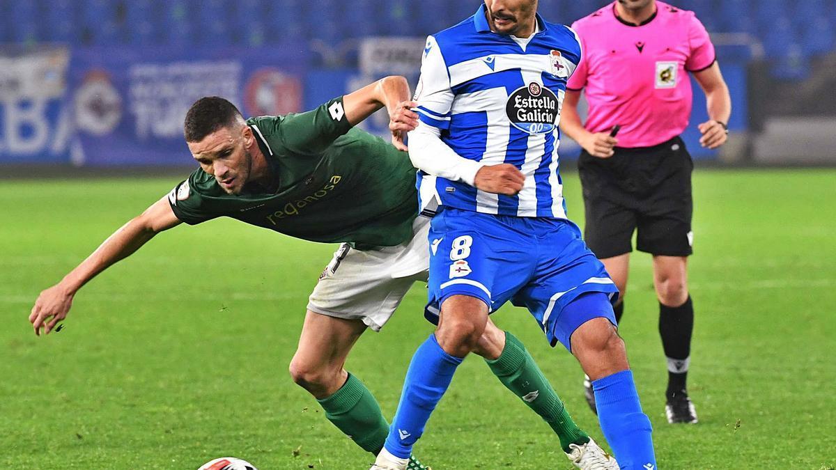 Celso Borges, durante el partido contra el Racing de Ferrol en Riazor, el 29 de noviembre del año pasado. |  // VÍCTOR ECHAVE