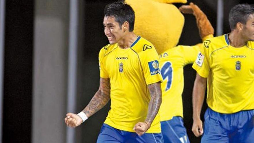 La UD abona los 2,5 de la cláusula del delantero Araujo a Boca