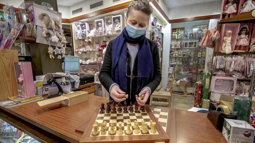 'Gambito de dama', el éxito al que se rinden las jugueterías de Palma