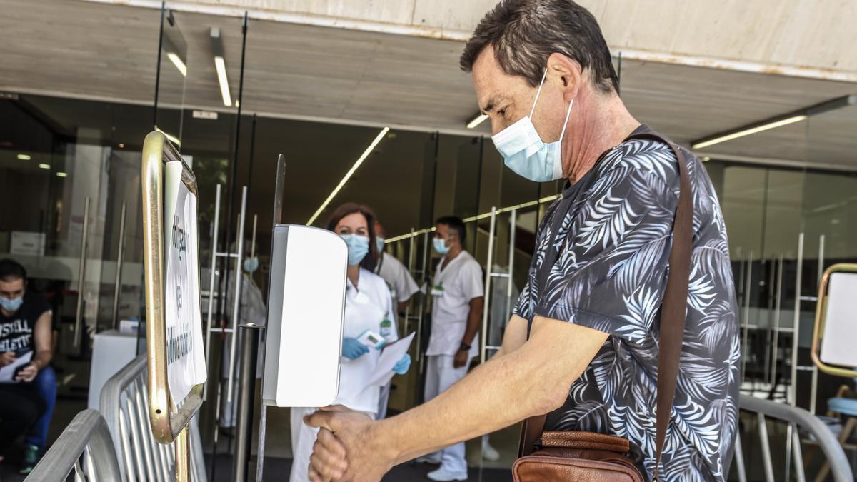 Última jornada de vacunación al grupo de 50-59 años, el pasado miércoles. Hoy habrá cambio de década.