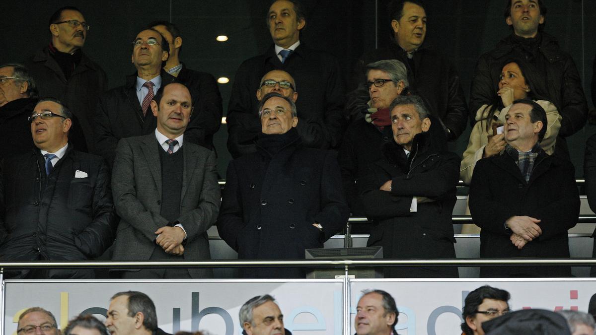 Florentino Pérez y Carlos Mouriño, en una imagen de archivo en el palco de Balaídos