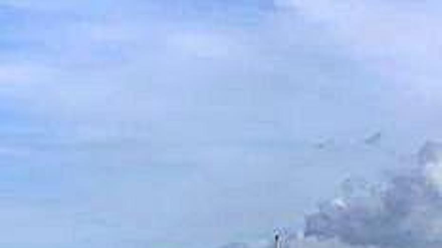 Rescatado el patrón de un yate que quedó a la deriva frente las islas Sisargas