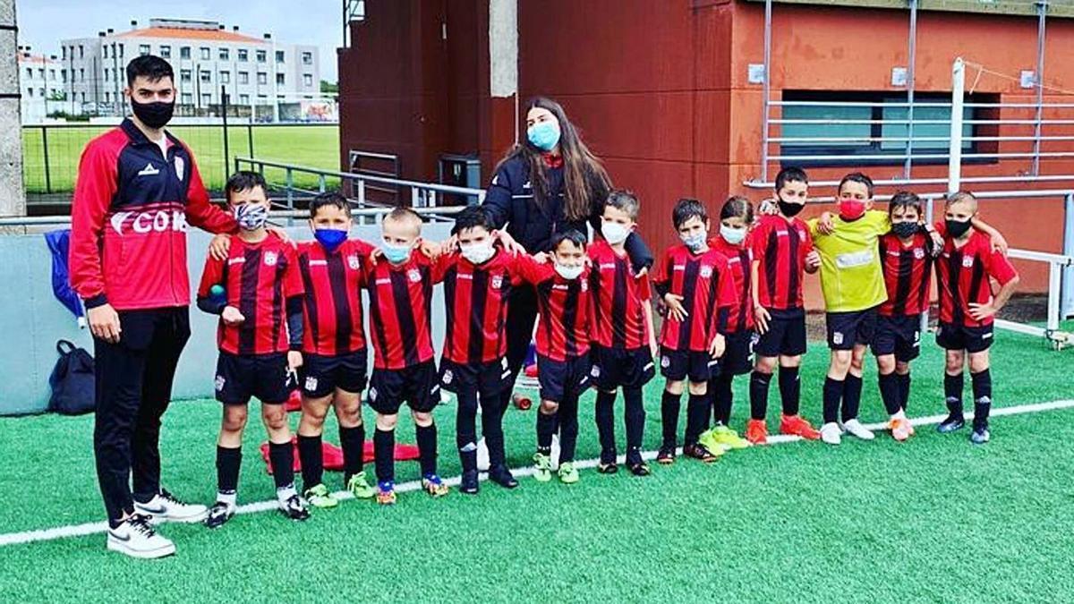 Los prebenjamines de la Escola de Fútbol Lalín se clasificaron el pasado fin de semana.  