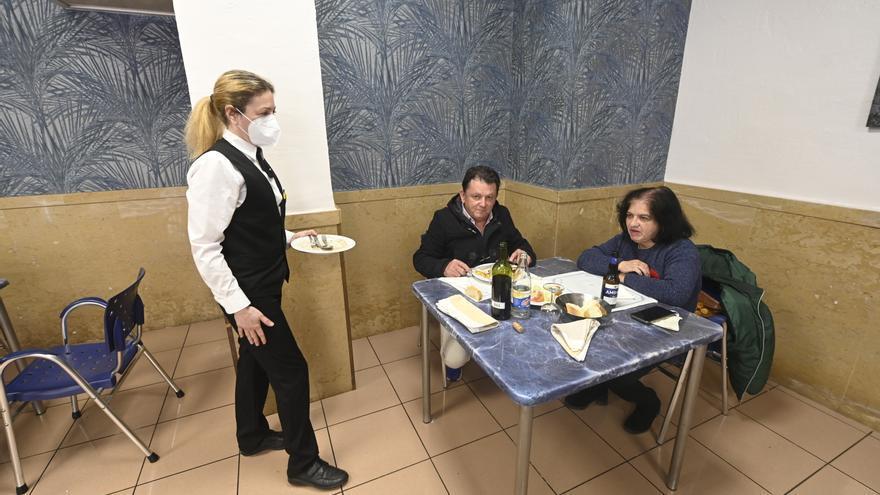 """Los hosteleros de Castellón respaldan unificar criterios para evitar los cierres """"arbitrarios"""""""
