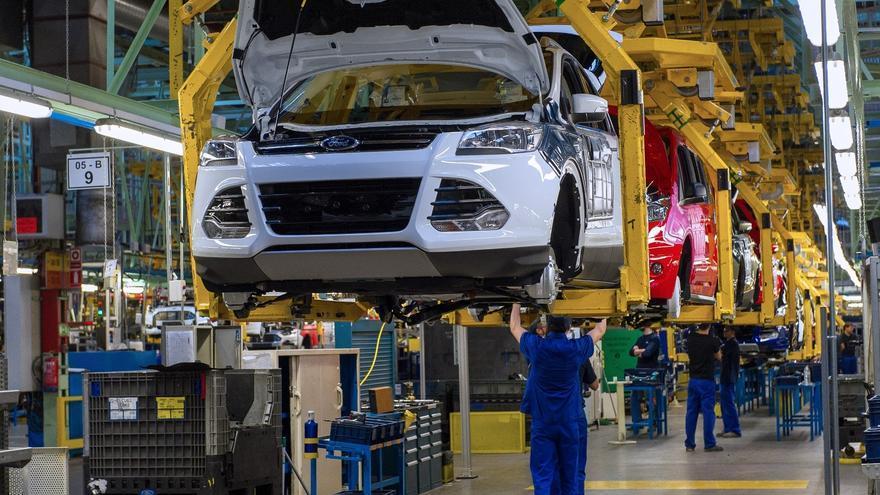 Ford paralizará toda la planta una semana por falta de componentes